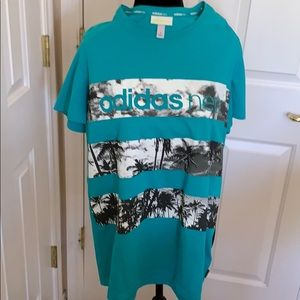 ADIDAS NEO SHORT SLEEVED  Teal Graphic TOP  M